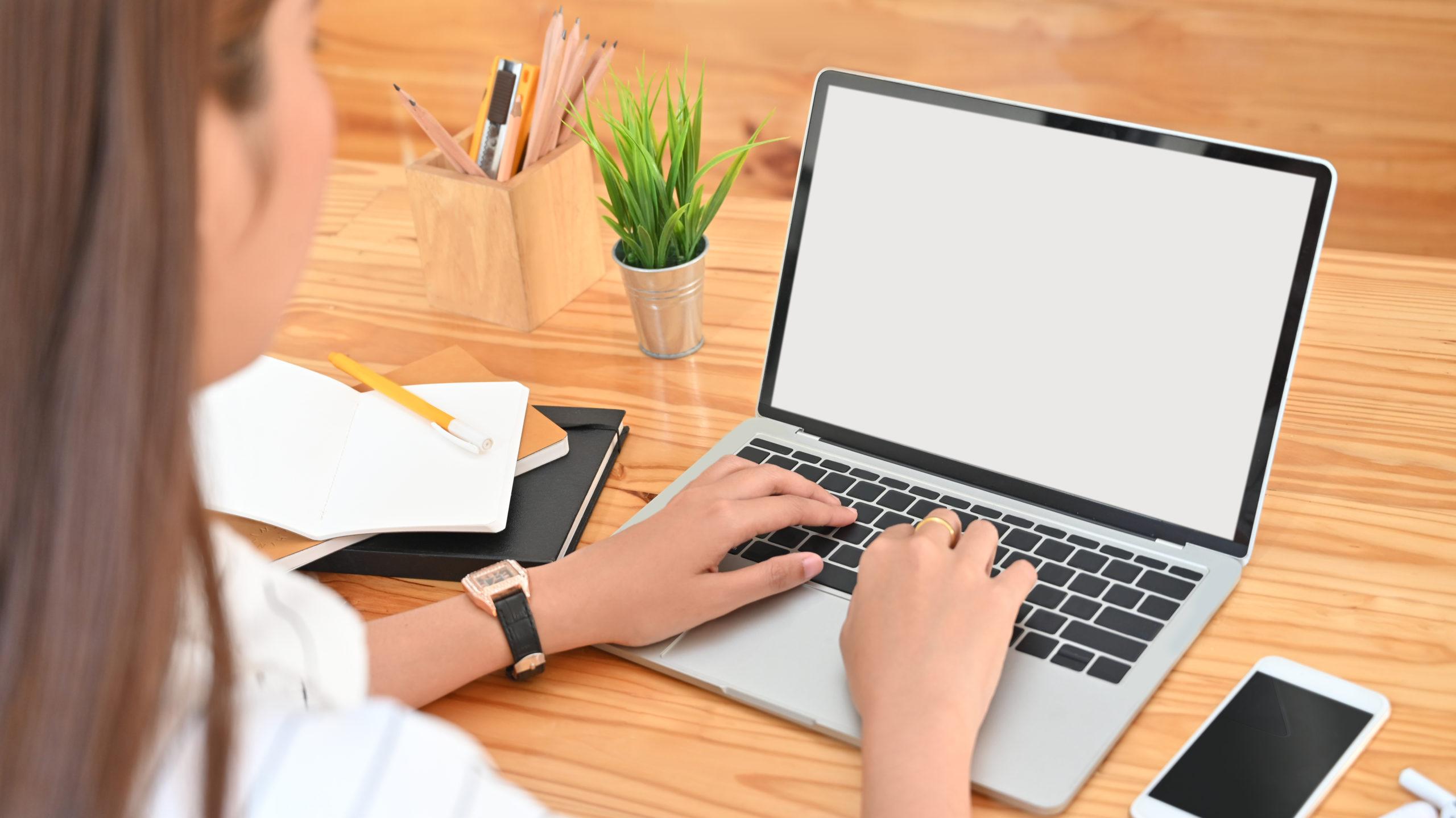 Télétravail et contrôle du temps de travail : tous les moyens sont-ils légaux ?